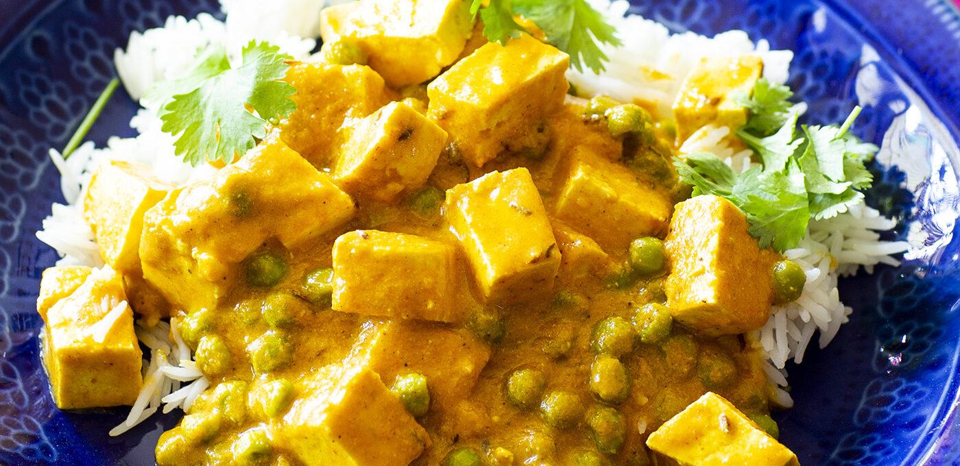 Matar paneer – indisk curry med gröna ärtor och paneer (eller tofu)