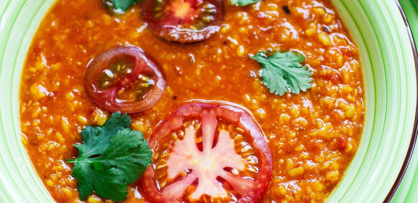 Indisk vegetarisk tomatdal